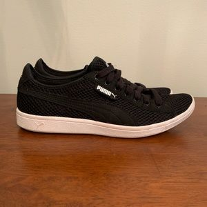 Puma black and white sneakers, simple, classic